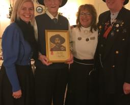 En hedersmann fikk medlemskap i 100 årsgave