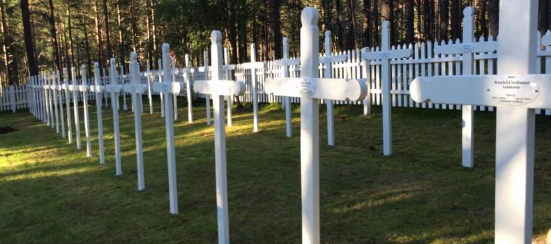 Dugnad ferdig på Rallarkirkegården på Hergot